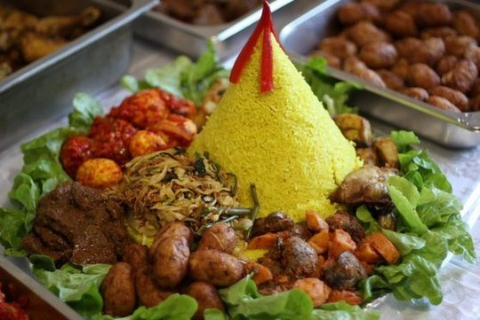 Indonesian Party Platter For Special Occassion